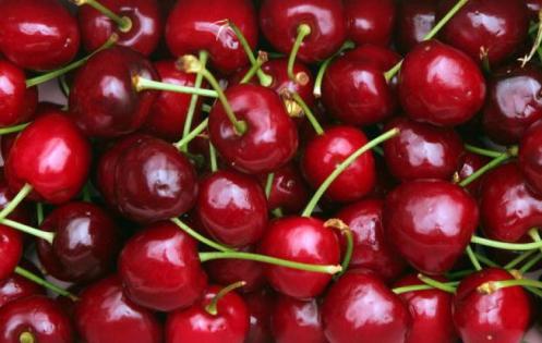 cherries_93239878