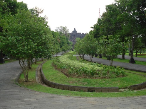 Walking to Borobodur